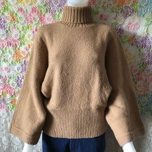 THE GAP CAMEL AVANT-GARDE SWEATER size M